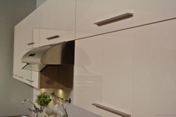 G60KSN výklopná horní skříňka se sklem kuchyň Luna